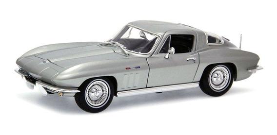 Miniatura Chevrolet Corvette 1965 Prata Maisto 1/18