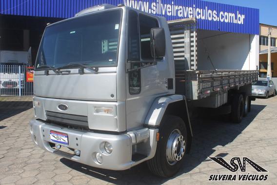 Ford Cargo 2428 - Ano: 2008 - Carroceria