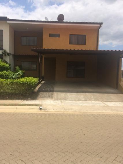 Casa En Alquiler En Condominio Montezuma