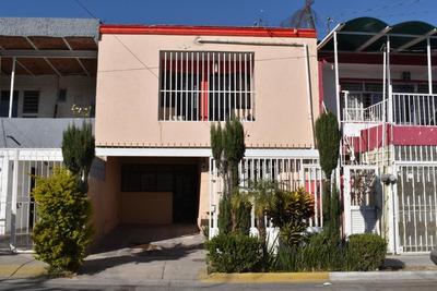 Dos Casas En Una, Independientes Recien Remodeladas Amplias