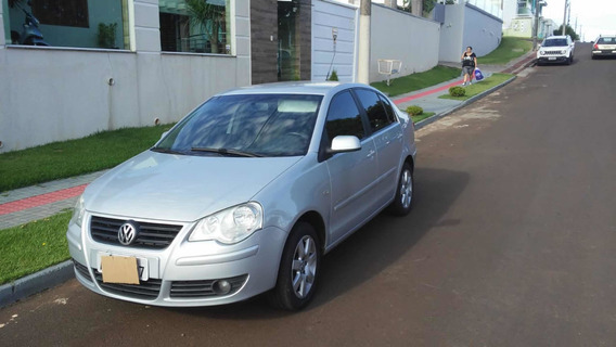 Volkswagen Polo Sedan 1.6 Vht Comfortline Total Flex 4p 2008