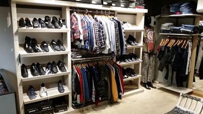 Locales Comerciales De Ropa Para Hombre Y Mujer En Shopping