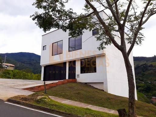Casas En Venta La Doctora 643-3796