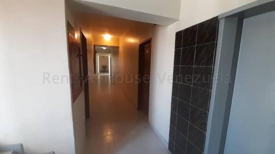 Hotel En Venta Barquisimeto 20-8462 Hjg