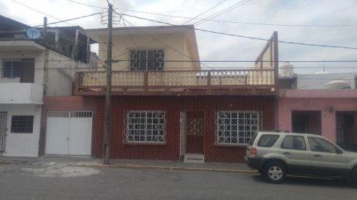 Casa 2 Plantas En El Centro De Veracruz. Precio Justo. Perfecta Ubicación