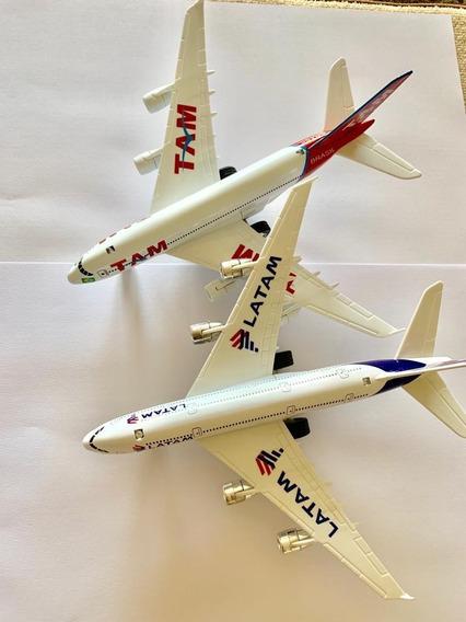 Miniatura De Aviao Tam E Latam Com Fricçao Luzes E Som 19x20