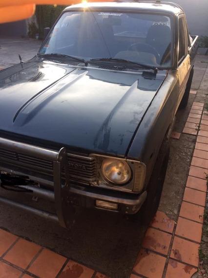 $170 Mil Toyota Hilux Mod 81 4x2