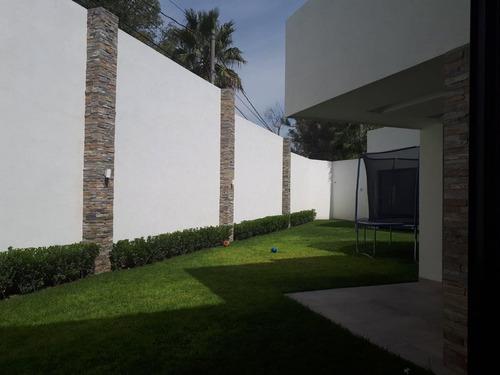 Hurban Vende Preciosa Residencia En La Herradura.