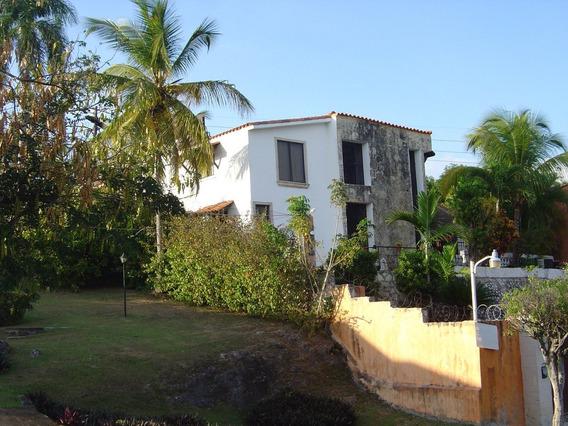 Casa Frente Al Jardín Bótanico Con Jardin Y Piscina