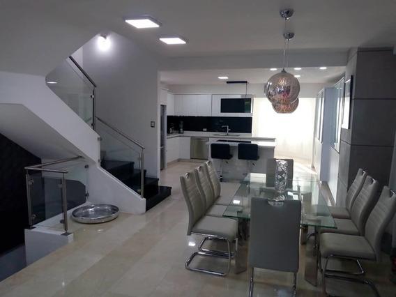 Casa En Venta En La Floresta 04128900222