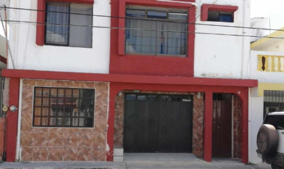 Casa 2 Plantas Patio Bardeado Terraza Techada 2 Baños 4 Rec