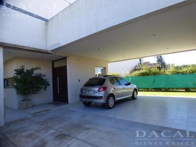 Casa En Venta En La Plata Calle 506 E/ 133 Y 132bis Dacal Bienes Raices