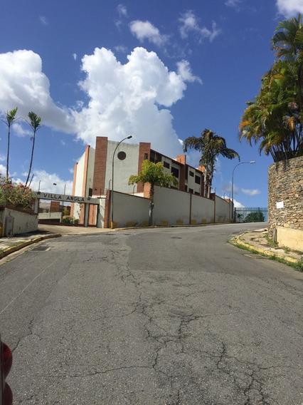 Alquilo Townhouse Remolelado Y Amoblado . Listo Para Habitar