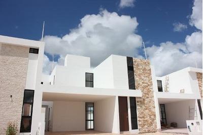 Casa En Venta En Privada Botánico, Conkal. Cv-6017