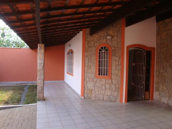 Casa Com 3 Quartos Sendo 1 Suite, Piscina, Sala 3 Ambientes