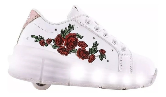 Zapatillas Con Ruedas Y Luces Led Usb Footy Flores Rojas Fty