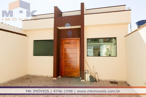 Casa Nova 2 Dorms Sendo 1 Suite Com Quintal