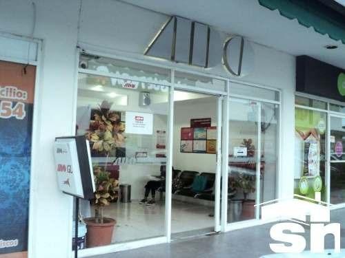 Local En Renta Plaza Express Las Palmas Lr-425