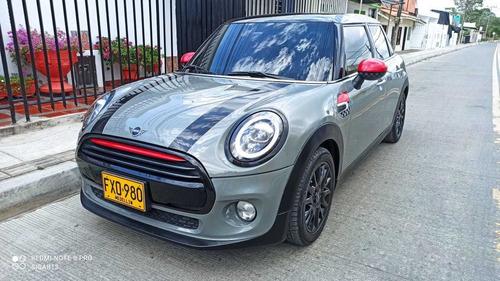 Mini Cooper Motor 1.5 Turbo 2019 Gris Plata Negro 5 Puertas