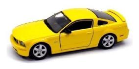 Miniatura Colecionável Ford Mustang Gt 06 1:24