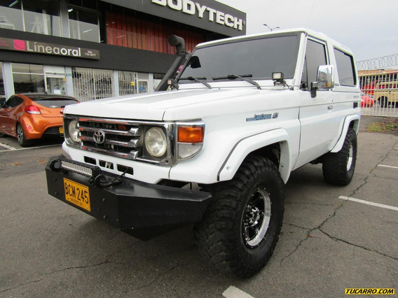 Toyota Land Cruiser 4500cc Mt
