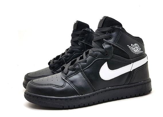 Tênis Masculino Nike Air Jordan 1 Retro High Chicago