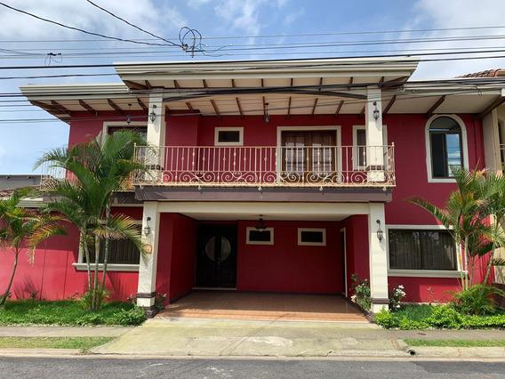 Se Alquila Casa Amplia En Condominio San Agustín,heredia