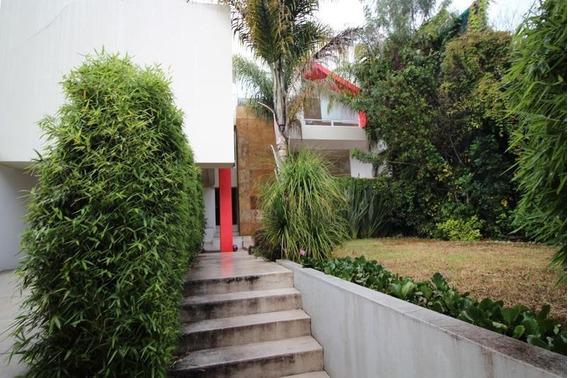 Hermosa Casa En Calle Cerrada En La Herradura