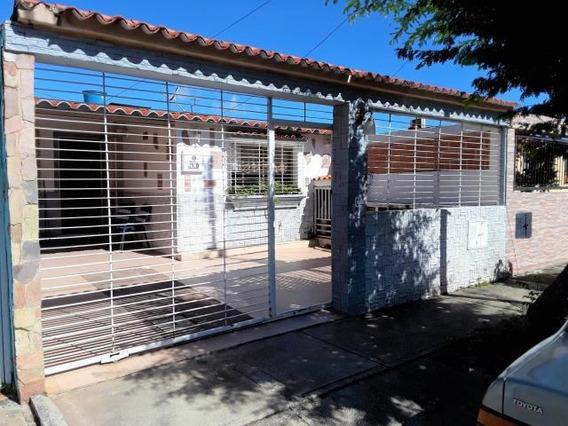 Venta Comoda Casa En La Esmeralda 19-21068 Mz