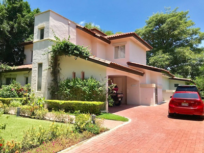 Venta Casa En Buenaventura, Club Estates / Con Piscina