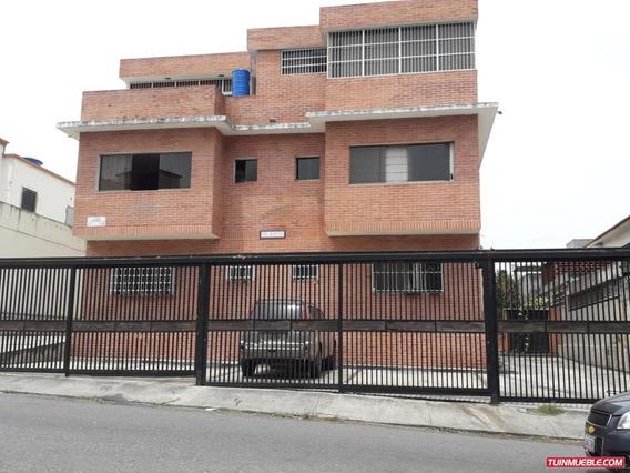 Apartamento En Venta La Carlota..19-10420///