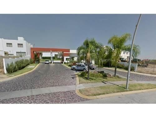 Casa En Venta Con Alberca En Valdepeñas, Altavista, Zapopan
