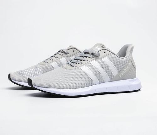 Imagen 1 de 1 de Tenis Swift Run Gris/blanco adidas 3 Stripes.