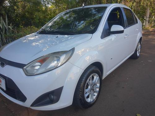 Imagem 1 de 14 de  Ford New Fiesta Sedan 1.6 Se (flex)