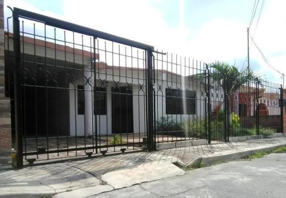 Casa En Venta Zona Este Barquisimeto Jrh 20-19642 Fundalara
