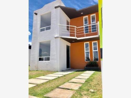 Casa Sola En Venta Casas 2 Niveles, Bonito Fracc Con Área Verde Y Juegos