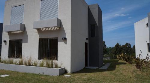 Alquile Anual 2 Dorm Barrio Privado Estren Jardín Porto Sura
