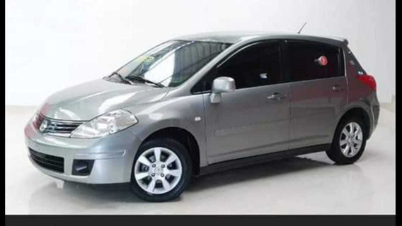 Nissan Tiida 2010 1.8 S Flex 5p