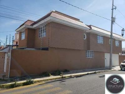 Casa En Renta Por Los Fuertes De Loreto $14,000