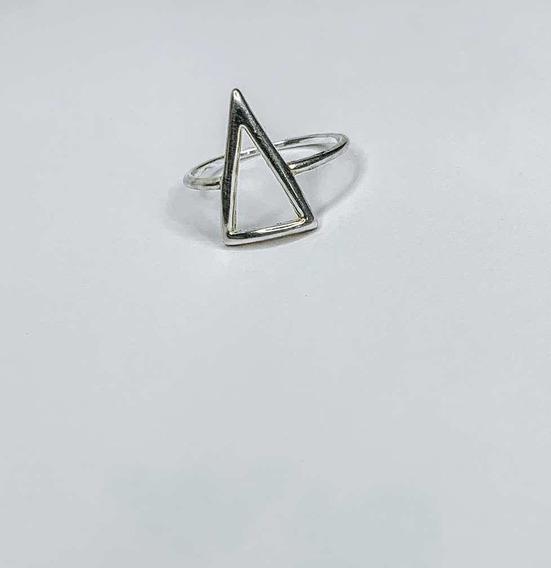Anel Triângulo Em Prata
