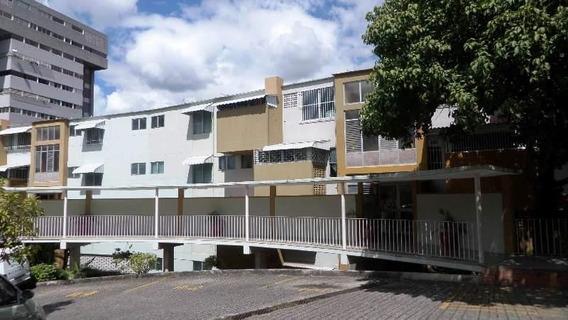 Apartamento En Venta, Colinas De Los Chaguaramos, Caracas