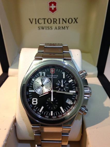Relógio Victorinox Convoy Chrono 241157
