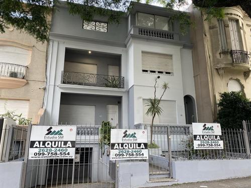 Casa De Altos.  1er Y 2do Piso. Pocitos. Bvr Artigas