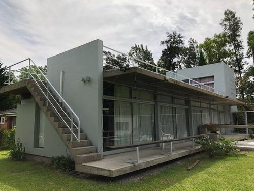Imagen 1 de 14 de Moderna Casa En Venta En Campos De Alvarez