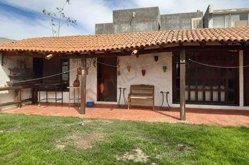 Casa En Venta, Estilo Colonial Con Excelente Ubicación Comercial Y/o Habitacional, Nueva Los Ángeles, Torreón, Coahuila