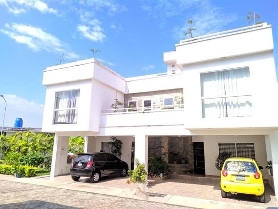 Se Vende Casa En Urb Privada El Campo Pueblo Nuevo