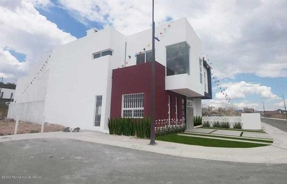 Lomas De Juriquilla, Venta Casa 3 Rec+estudio Rah3