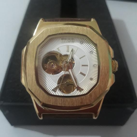 Relógio Automático Dourado Com Pulseira De Couro