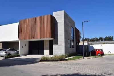 Excelente Oportunidad Casa En Venta Frente A Tec De Monterre