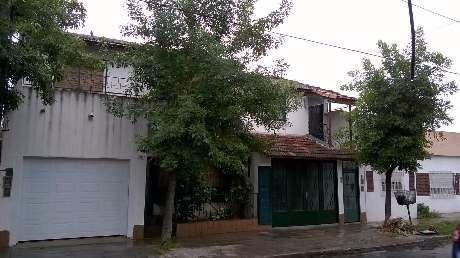 Casa Ph En Alquiler En Moron Sur
